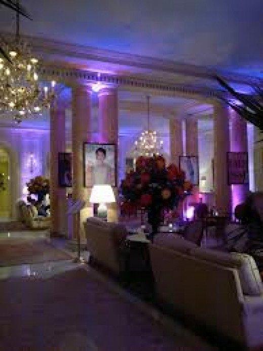 A Paris, Fashion week + Le Bristol = Harper's Bazaar Bar!