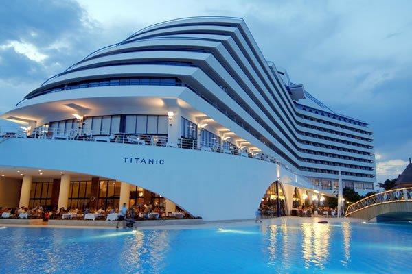 Pour vos vacances,les bons plans c'est maintenant! dans Hôtels à l'étranger 1266779512_titanic-hotel-antalya