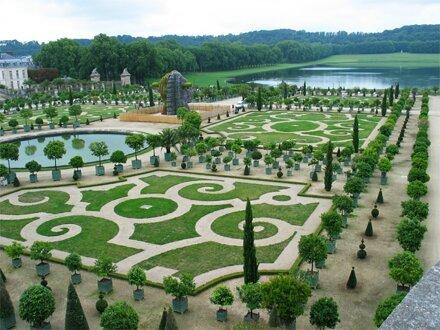 Versailles c l bre andr le n tre culture online for Jardinier paysagiste versailles